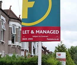 Typical estate agent board for Foxtons